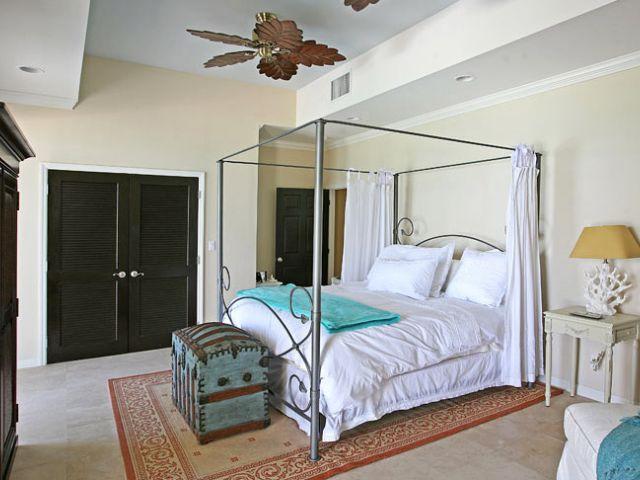 Confortable y cálida habitación dormitorio.